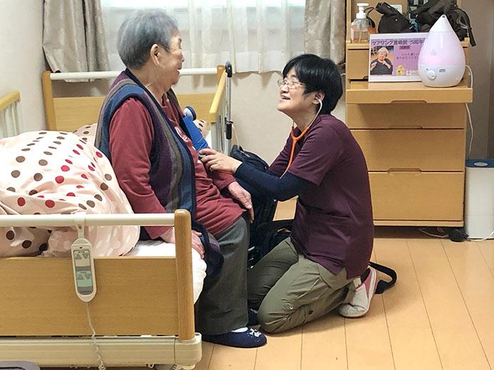 ケアリングの小規模多機能型居宅介護は急な体調不良でも看護師、ベテラン介護職で安心。
